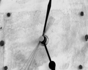 bw_clock_hands.jpg