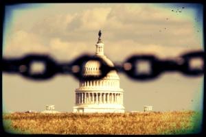 government-shutdown-capitol-chain